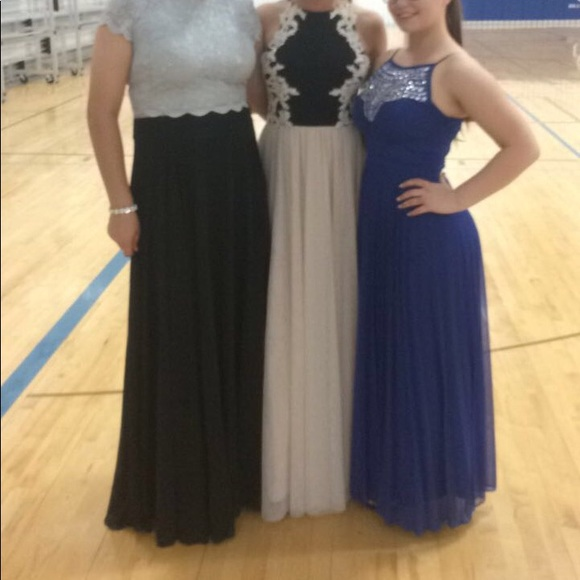 Size 9 prom dress (one in the middle)